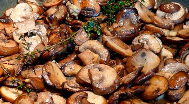 Теперь жарю грибы только по этому рецепту. Идеальный вкус