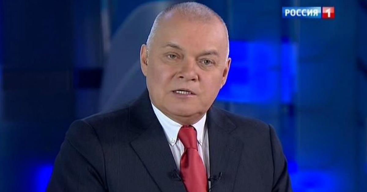 """""""Без паники"""": Киселев объяснил выгоду России от падения цены на нефть"""