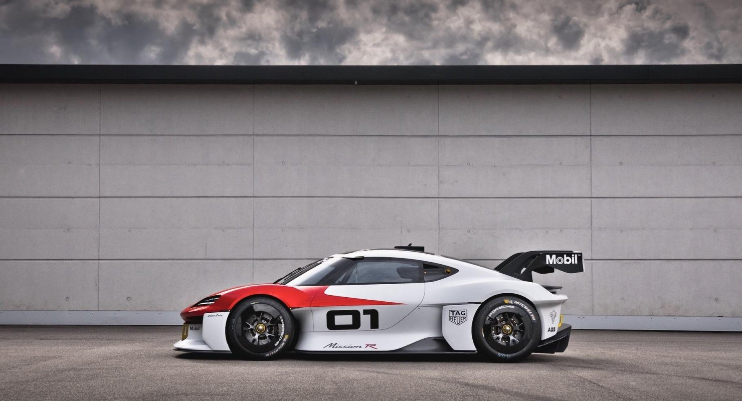 В Porsche рассказали об испытаниях концептуального суперкара Mission R Автомобили