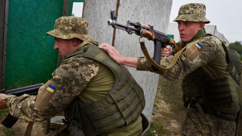 Необразованны, ленивы, воруют, пьянствуют: американский офицер-инструктор в ужасе от украинской армии
