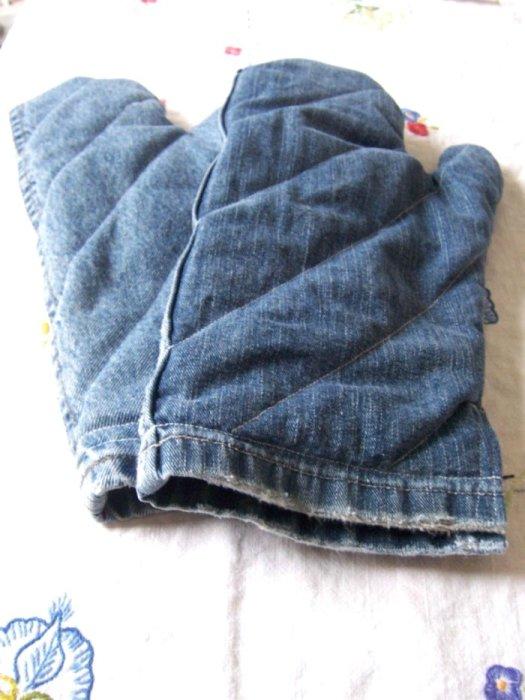 9 нужных в хозяйстве вещей, которые можно сделать из старых джинсов джинсы,домашний очаг,,новая жизнь старых вещей,переделка старой одежды,рукоделие,своими руками,шитье