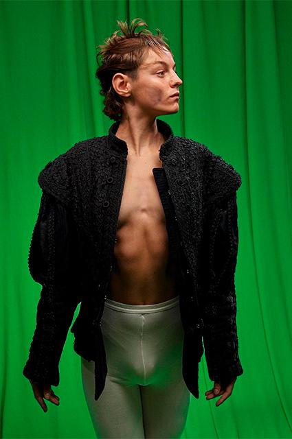 """Звезда сериала """"Корона"""" Эмма Коррин, сыгравшая принцессу Диану, сомневается в своей гендерной идентичности Новости"""