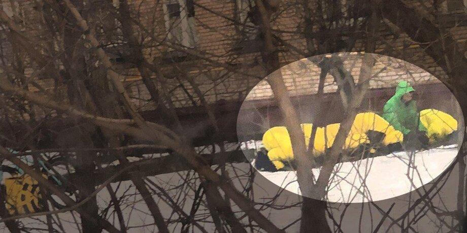 """Намаз за """"Макдоналдсом"""": как курьеры """"Яндекса"""" и Delivery club молятся между заказами"""