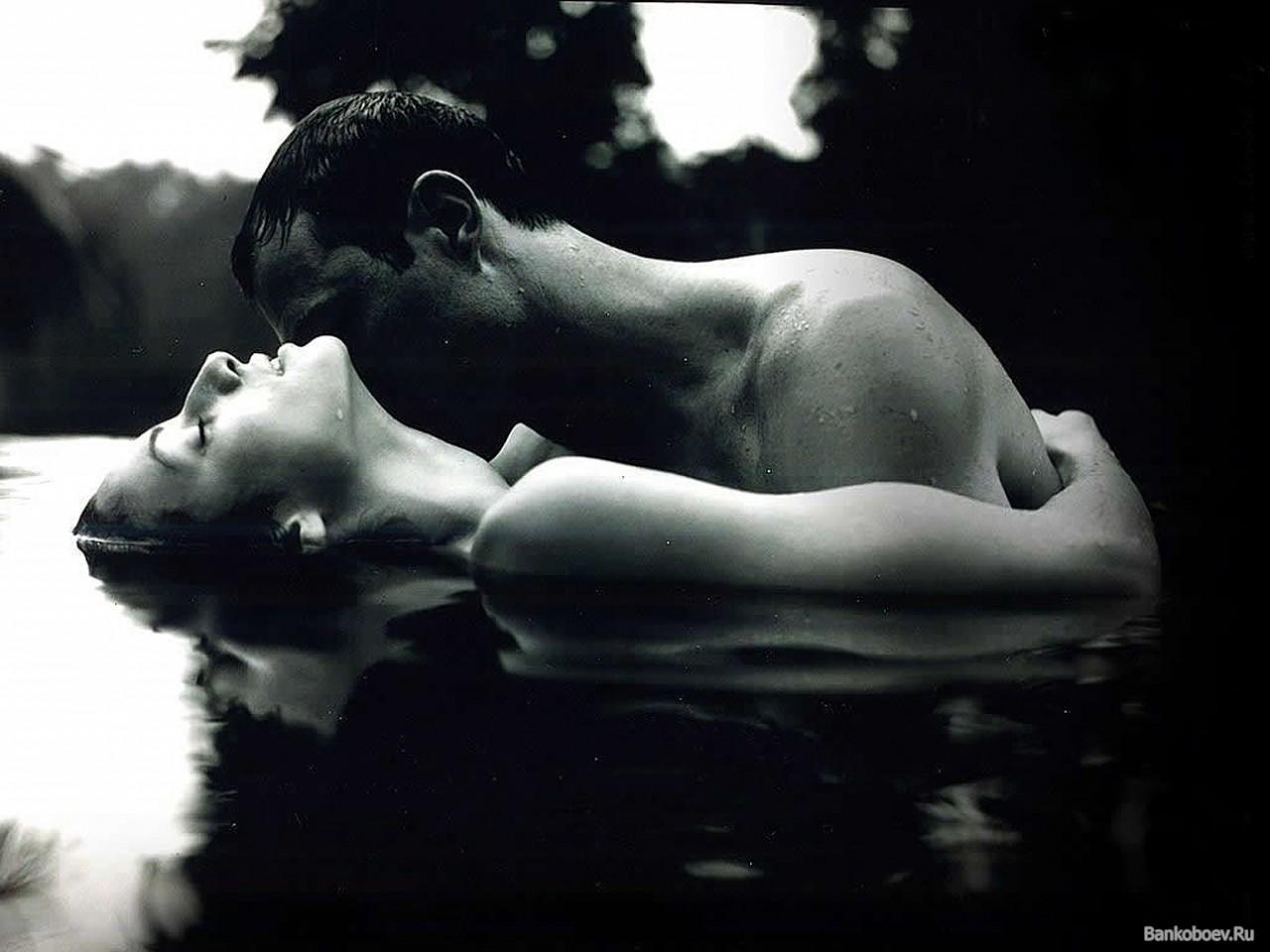 А сумасшедшая страсть или спокойная любовь... Что лучше?