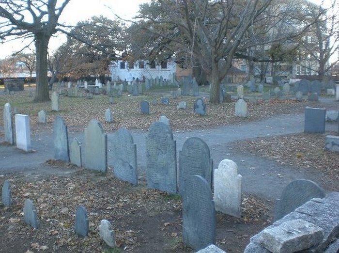 Ведьмино кладбище.