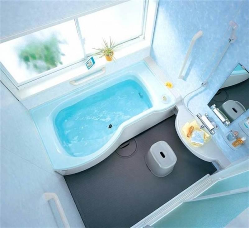 Сантехника в ванной маленького размера