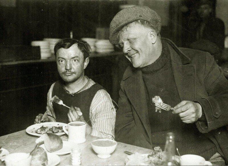 Фёдор Шаляпин в столовой для бедных, США г. Нью-Йорк, 1930-е история, ретро, фото