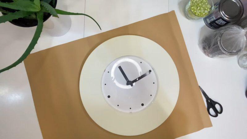 Как переделать пожелтевшие часы из ИКЕЯ