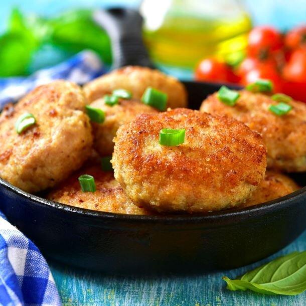 Рецепт приготовления рыбных котлет из хека с плавленым сыром