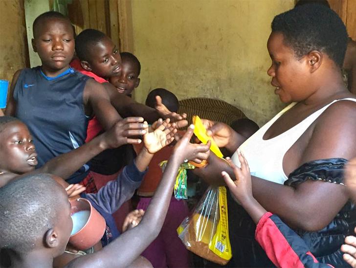 У женщины из Уганды 38 детей. Она рассказывает, как ей удается с ними справляться