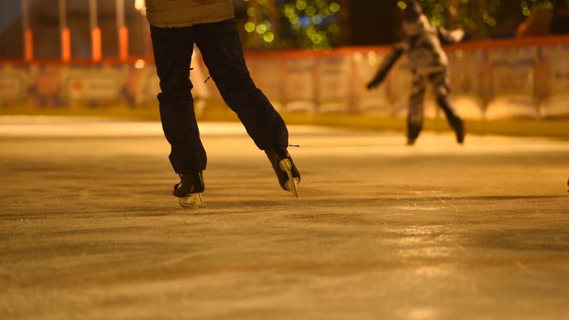 Акция «Ночь на катке» пройдет в 18 парках Москвы 28 февраля