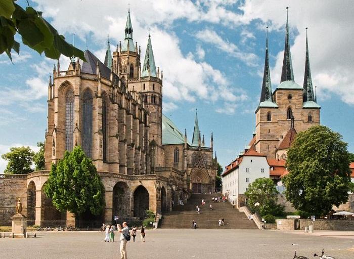 Эрфуртский замок в наше время: в нем утонуло много знатных вельмож (Германия).   Фото: bigpicture.ru.