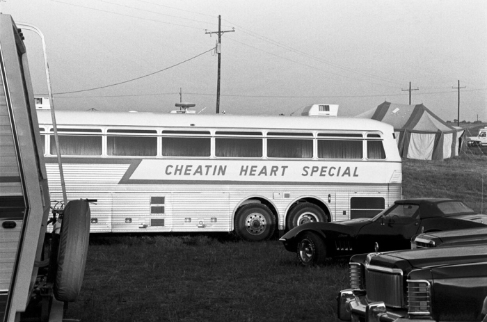 hank williams jr. 1972 silver eagle tour bus, the cheatin heart special