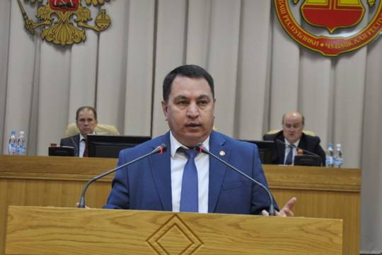 Руководитель администрации главы Чувашии объяснил маленькие зарплаты бюджетников ленью