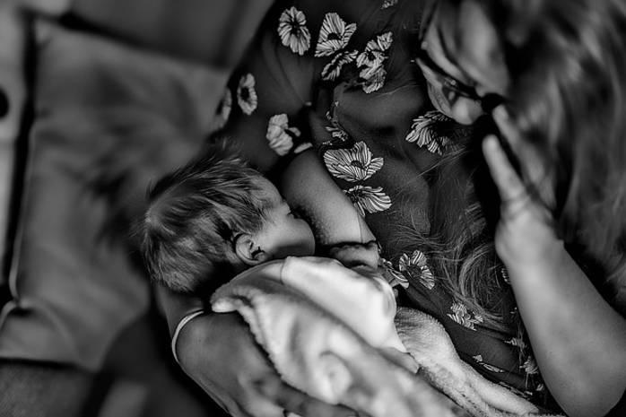 Какие прививки можно делать кормящим мамам