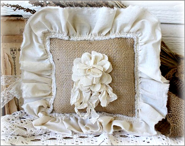 burlap wedding pillow copy (604x478, 167Kb)
