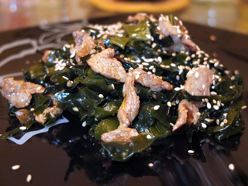 Салат из морской капусты с мясом Меги Ча