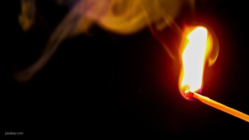 Полиция занялась подростками, которые пытались сжечь подружку в Петербурге