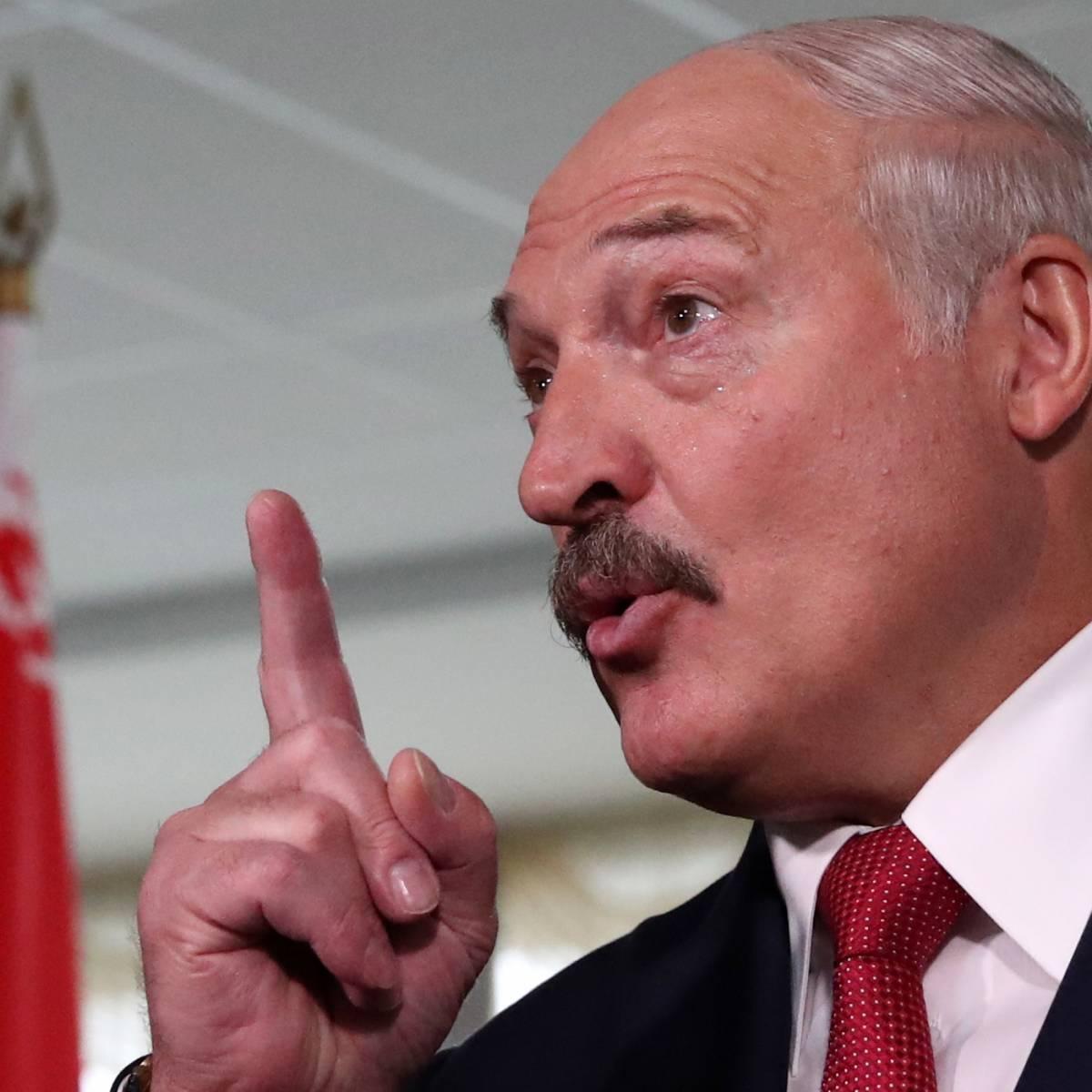 Лукашенко: Я не допущу, чтобы разного рода шайки и банды уголовников бродили по стране с засученными рукавами