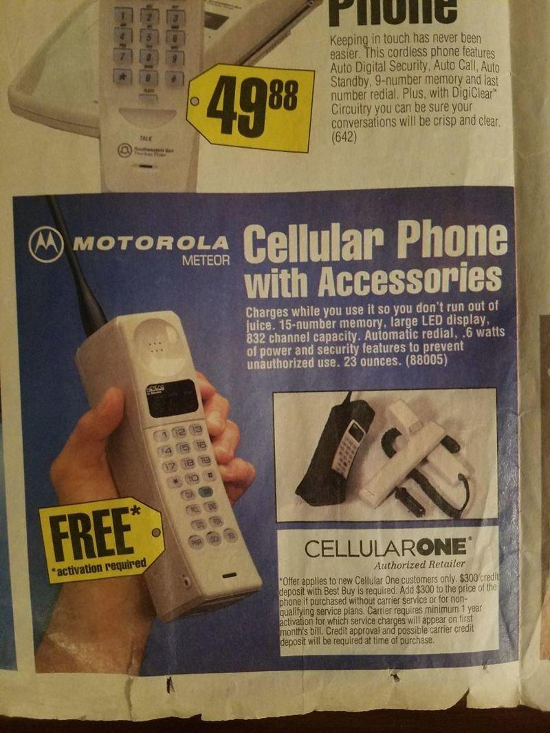 Сотовый телефон Motorola вещи, гаджеты, ностальгия, реклама, техника