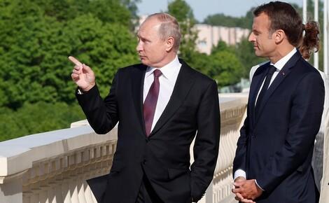 СМИ: Путин в разговоре с Макроном предположил, что Навальный мог принять яд сам Макрон,Навальный,отравление,Путин