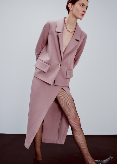 От богемных платьев до уютных пижам: лукбуки новогодних коллекций российских дизайнеров Мода,Новости моды
