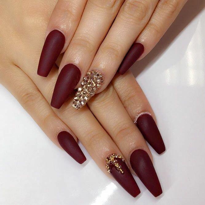 """Бордовый маникюр на длинные ногти, форма """"балерина"""""""