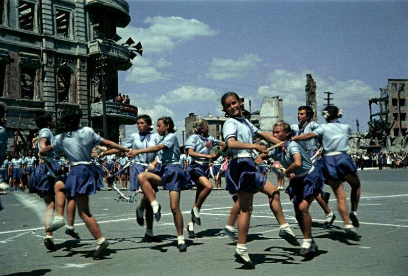 Первый послевоенный спортивный парад в Сталинграде, 1945 год 1945, парад, сталинград