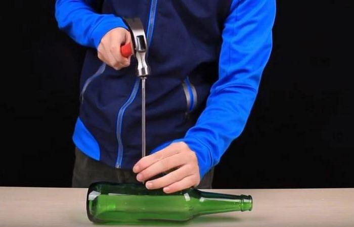 Как проткнуть гвоздём стеклянную бутылку? очумелые ручки,советы
