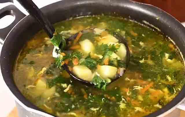 Как варить суп из крапивы с яйцом и картофелем крапива,супы