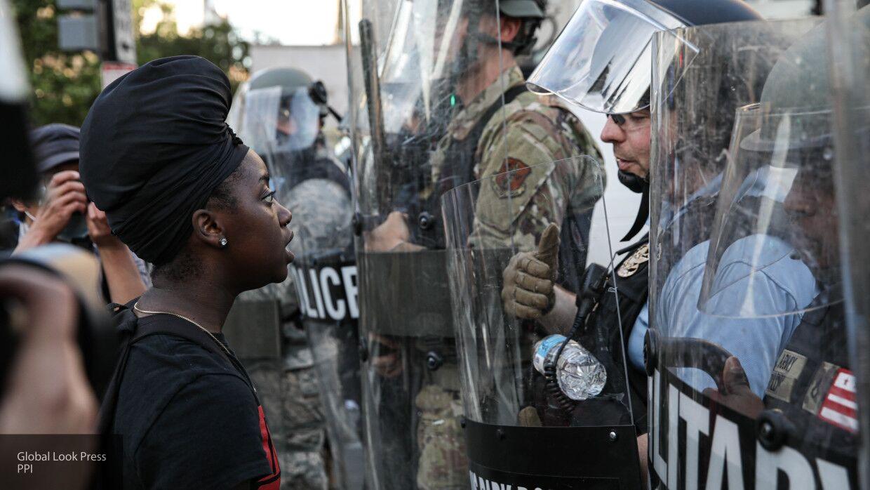 """""""Американские волки"""" вооружились против митингующих Black Lives Matter"""