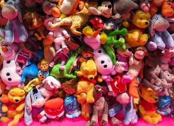 Евгения Медведева лидирует по количеству плюшевых игрушек