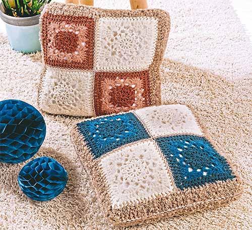Подушки из ажурных квадратов