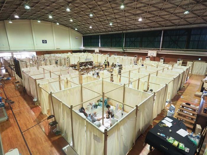 Японец строит дома из бумаги и картона для беженцев и олигархов Сигэру, очень, беженцев, Японии, архитектор, зданий, пострадавших, бумаги, архитектором, жилье, другой, сделаны, только, которые, проекты, Новой, картонные, здания, одним, зодчих