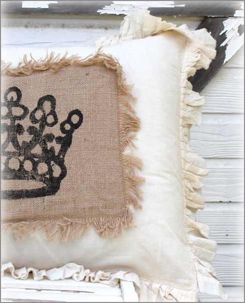 pillow crown burlap close (489x604, 96Kb)