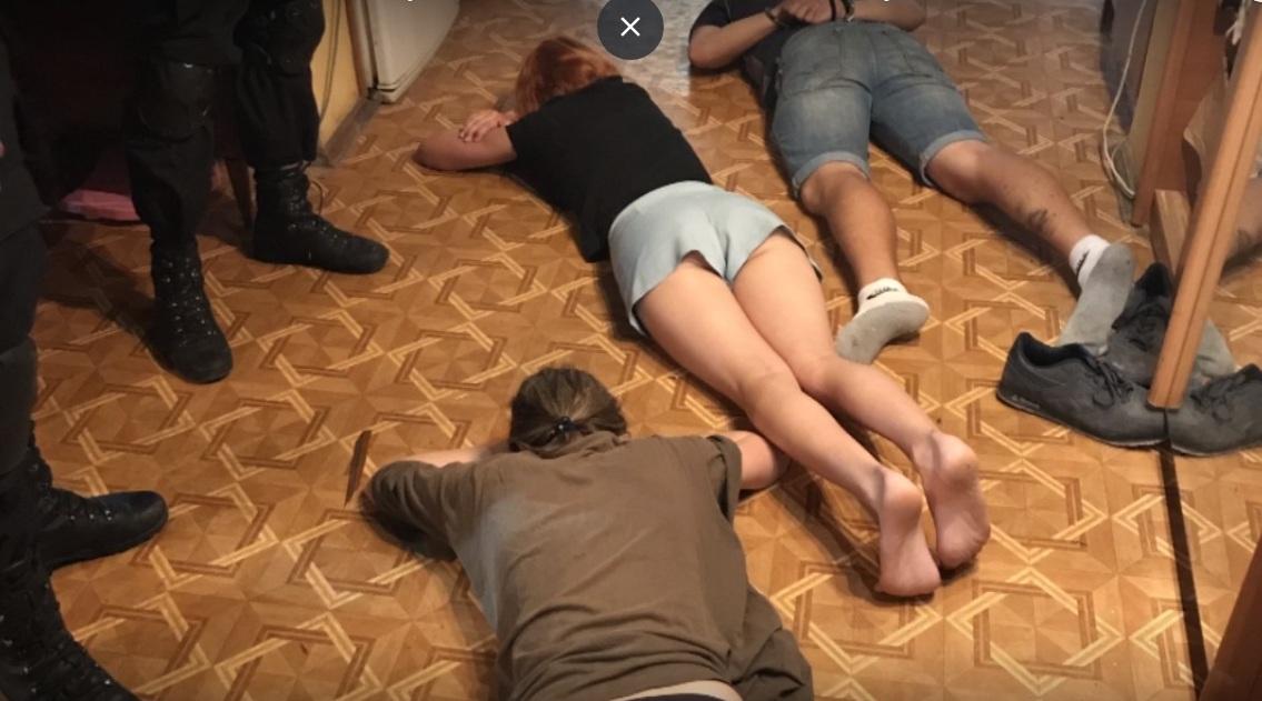 """В Крыму свинтили """"онижедетей"""""""