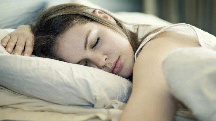 Почему нельзя фотографировать человека во время сна?