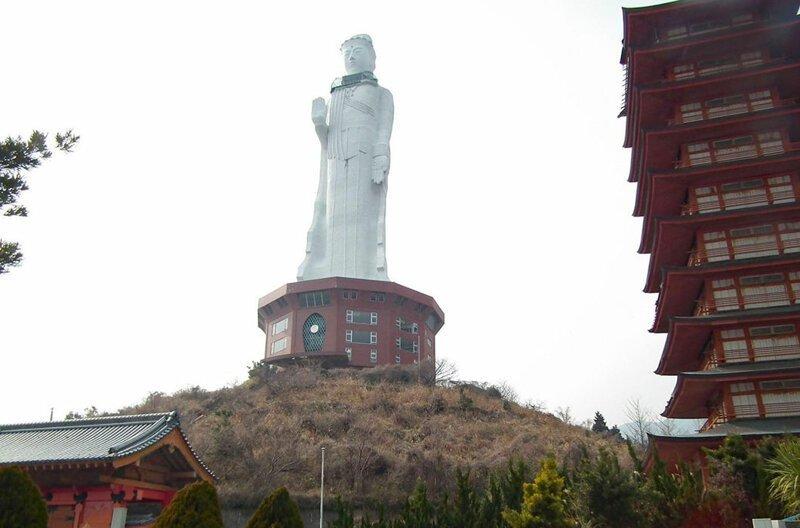 Номер 10: статуя богини Каннон на острове Авадзи, 80 м, Япония в мире, высота, красота, люди, памятник, подборка, статуя, факты