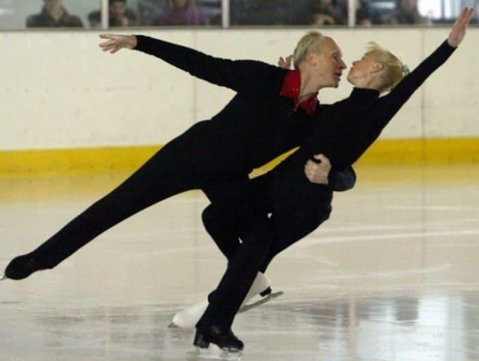 Фигуристы на открытой тренировке в Санкт-Петербурге, 2003 г. Людмиле Белоусовой – 67 лет, ее партнеру – 70   Фото: dobrocom.info