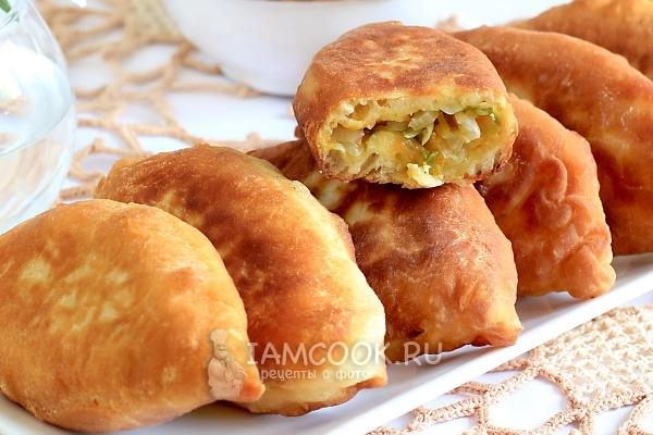 Пирожки с капустой на кефире (на сковороде)