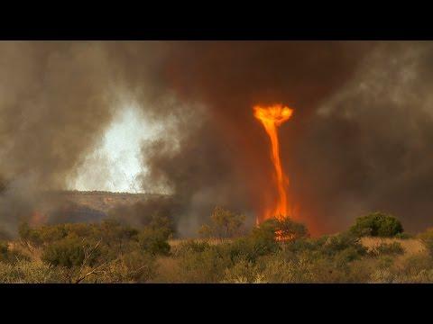 Огненный торнадо километровой высоты в Западной Австралии