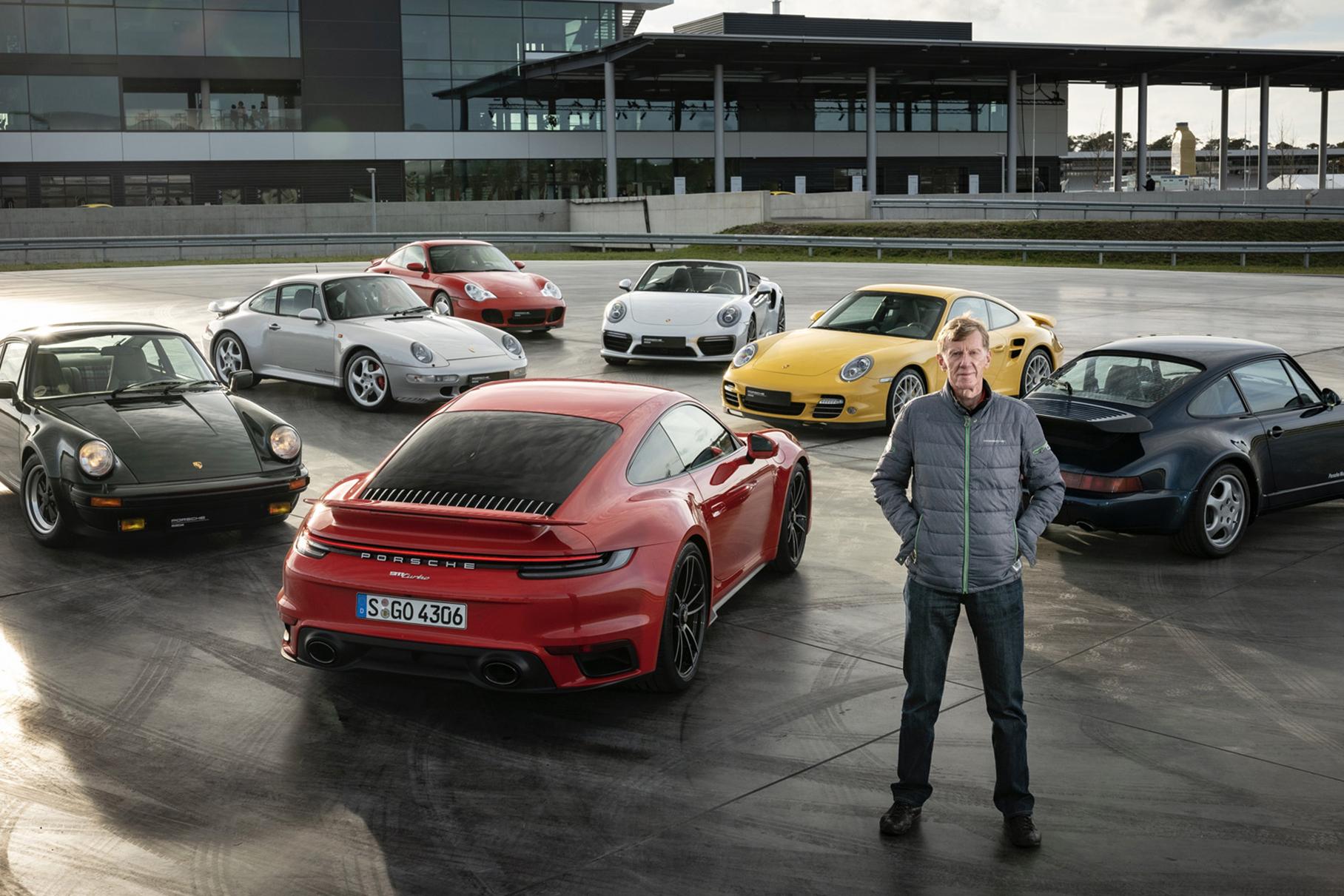 Видео: семь поколений Porsche 911 Turbo сразились друг с другом в гонке Новости