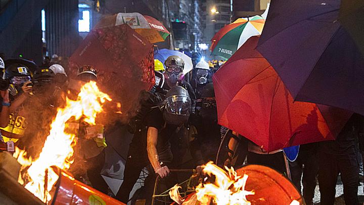 Кто и для чего поджигает Гонконг?