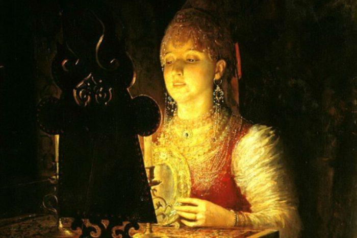 Почему на Руси боялись зеркал, и как устраивали «похороны зеркала»