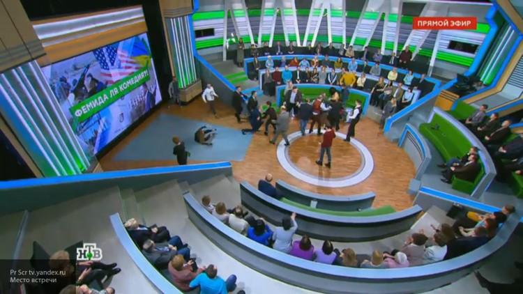 «Просто потолкались»: украинский эксперт объяснил драку с Норкиным на НТВ