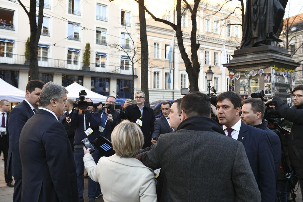 Порошенко объявил о страхе «российских танкистов»