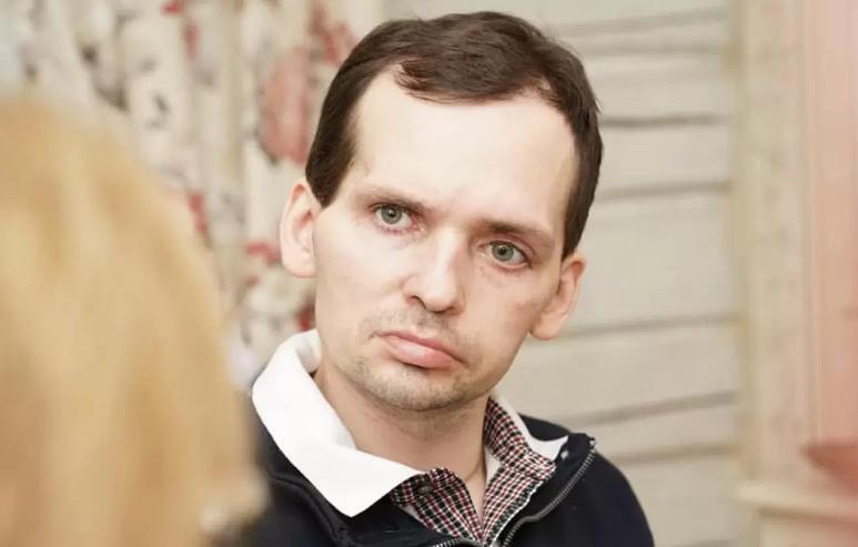 Болезнь непоправимо изменила жизнь актера Алексея Янина Алексей, актера, больше, после, актер, мужчины, Алексея, инсульт, пребывал, Однако, работал, начинает, удалось, менее, силах, самостоятельно, принимать, сидеть, осуществлять, Актер