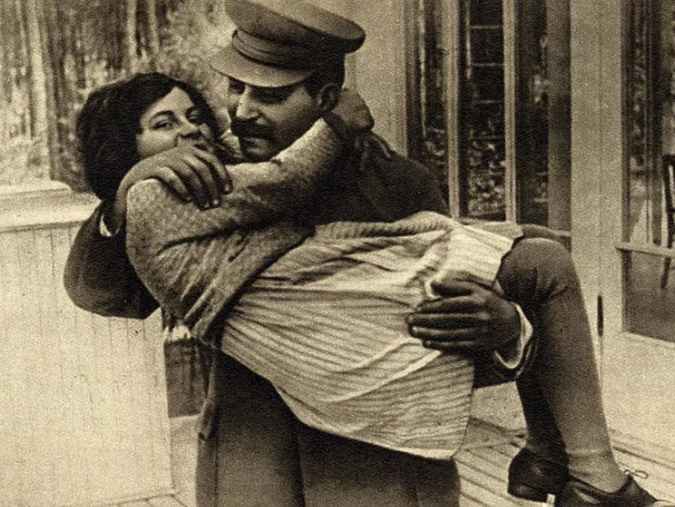 Как сегодня выглядит внучка Иосифа Сталина Заморские звезды,звезда,Иосиф Сталин,фото,шоубиz,шоубиз