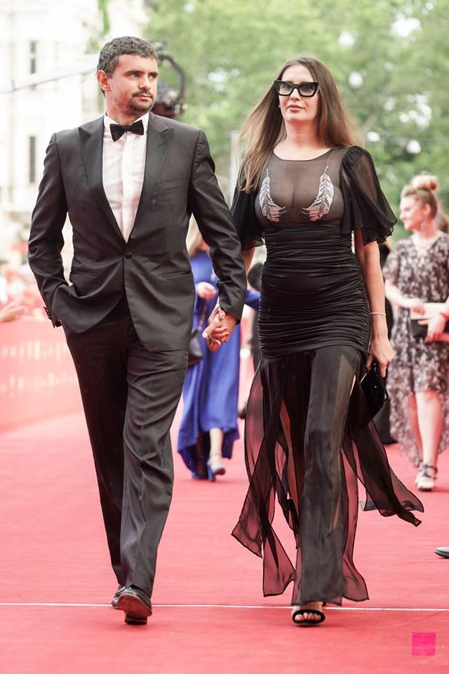 Красная дорожка одесского кинофестиваля. Да, Прони Прокоповны имеют вкус.