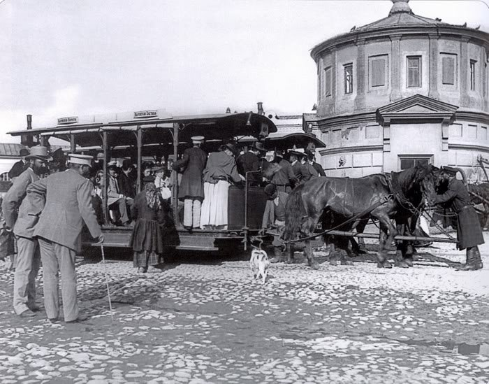 konnii-tramvai
